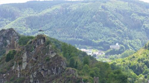 Burg Are Pavillion und Kreuzburg